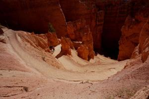 Navajo Loop switchbacks leading to Wall Street