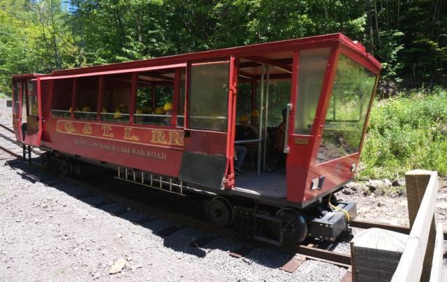 Cog rail tram